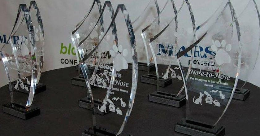 BlogPaws Nose-to-Nose Awards