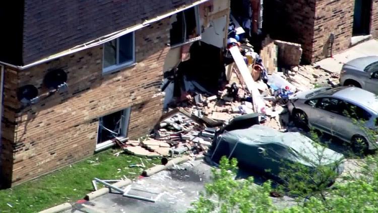 Chicago Tribune Photo Apartment Explosion